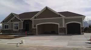 offset main garages roof line idea http stuccotechutah blogspot
