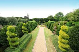 the most beautiful gardens in the world you have to visit in a