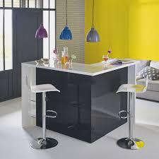 acheter bar cuisine pour séparer le coin cuisine sans cloisonner l espace un bar d