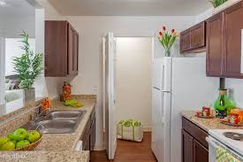 silver creek kitchen cabinets silver creek apartments 25617 valley creek dr flat rock mi