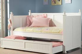 What Is The Difference Between A Coverlet And A Comforter Satisfactory Daybed With Trundle No Headboard Tags Daybed
