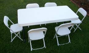 cool plastic table and chairs with round plastic patio table
