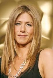 coupe de cheveux blond coiffure aniston cheveux longs blonds et raides coiffure