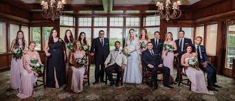 wedding photography mn with your large wedding party minneapolis wedding
