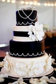 originelle hochzeitstorten elegante vierstufige hochzeitstorte in schwarz und weiß kuchen