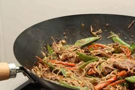 recette de cuisine au wok wok de boeuf aux nouilles de riz la cuisine à quatre mains