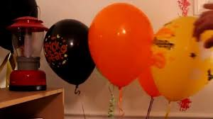 halloween baloons helium inflation of 2 qualatex halloween latex balloons youtube