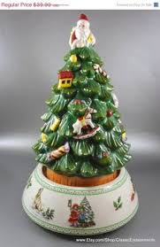 the spode tree soup tureen really makes an impression
