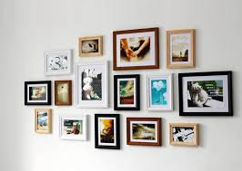 hanging picture frames ideas best 25 multiple picture frame ideas on pinterest hang with wall