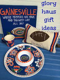 florida gator fan gift ideas glory haus has amazing gift ideas with home decor collegiate items