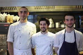 equipe de cuisine le poulet rôti nos meilleures adresses gourmets co