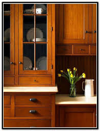 Kitchen Designs With Oak Cabinets by Best 25 Mission Style Kitchens Ideas On Pinterest Craftsman