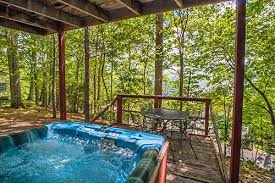 4 bedroom cabins in gatlinburg 4 bedroom cabins in gatlinburg mountain rentals of gatlinburg