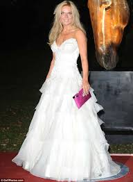 wedding dress raisa geri halliwell goes for the bridal look in a white dress at