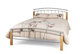 modern eleagant cream mattras in the king wood beds can add the