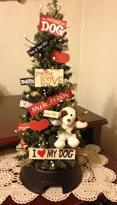 i love this i think i might have to have a little xmas tree for