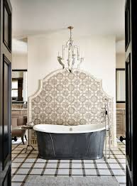 Small Bathrooms With Tubs Best 25 Tub Tile Ideas On Pinterest Bathroom Tile Designs