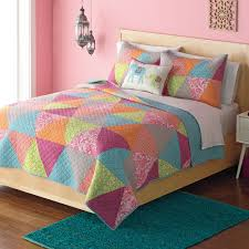 Home Classics Reversible Down Alternative Comforter Classics Avery Statements Reversible Quilt
