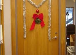 Simple Office Christmas Decorations - creative office christmas decorating ideas easy office door