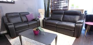 canap fauteuil salon canap fauteuil meubles simon mage dans le lot 46 avec salon