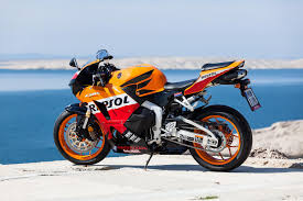 cbr bike on road price the honda cbr 600 aerodynamic responsive and fast auto mart blog