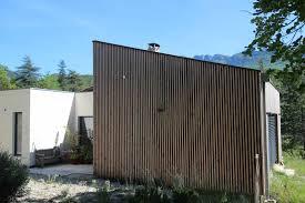 bardage bois claire voie rénovation et extension d u0027une maison à saillans dans la drôme