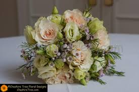 wedding flowers hshire and eli wedding flowers at temple shaaray tefila bedford