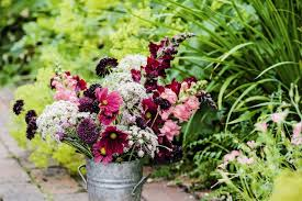 tips for arranging home grown flowers