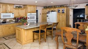 Kitchen Cabinets With White Appliances by Kitchens With White Appliances Oak Kitchen Cabinets With White
