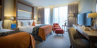 Luxury London Hotels With Family Rooms Clayton Hotel Chiswick - London hotels family room