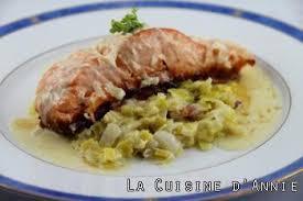 comment cuisiner le pavé de saumon recette pavés de saumon sur fondue de poireaux la cuisine