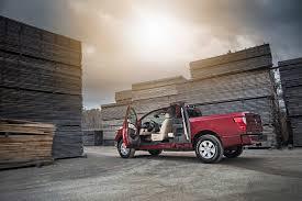 nissan titan king cab bed length 2017 nissan titan king cab an affordable alternative roadshow