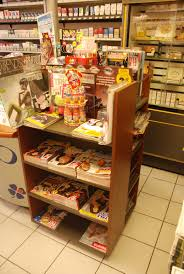 agencement bureau de tabac mobilier d agencement en valchromat installé en magasin atelier
