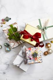 gift wrap christmas 35 unique christmas gift wrapping ideas diy gift wrap