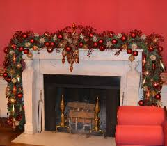 White Christmas Mantel Decorations by Hgtv White House Christmas Special Serve It Up Sassy