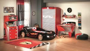 chambre enfant formule 1 le lit voiture pour la chambre de votre enfant archzine fr