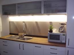 plaque aluminium cuisine impressionnant plaque adhesive pour cuisine 2 prix credence