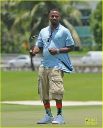 jamie foxx u0026 dwyane wade catch up at miami celebrity golf