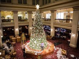 Macy S Christmas Decorations The 10 Best Things To Do During The Holidays In Chicago