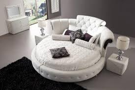 chambre lit lit rond au cœur d une chambre au design original design feria