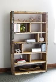 Wood Bookshelves Plans by Diy Rustic Pallet Bookshelf Rustic Bookshelf Crates And Pallets