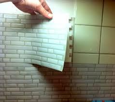 faux carrelage cuisine j ai testé le carrelage mural adhésif smart tiles valy s