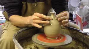 throwing a pot riddings pottery throwing a bowl on the pottery wheel the kid