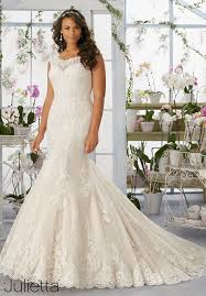 cheap bridal gowns 25 best curvy wedding dresses for plus size brides everafterguide