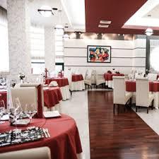 raumtrenner falttr wohlfühlfaktor akustik im restaurant ideen zur raum ästhetik