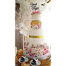 wedding cake balikpapan images and tagged with jualcupcakebalikpapan on instagram
