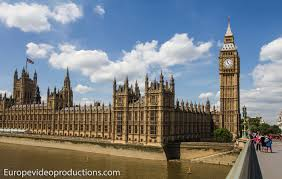 photo big ben and houses of parliament in london in england in
