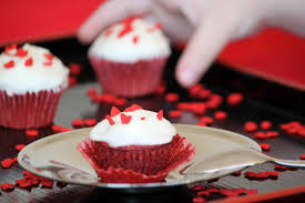 easy red velvet fairy cakes awesomelicious