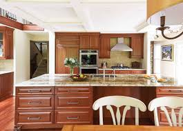 what to use to clean wood cabinets what s the best way to clean wood cabinets canadian home style