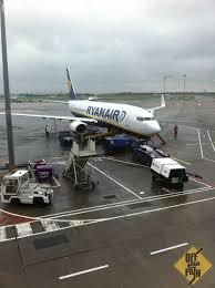 r ervation si e jetairfly ryanair reviews pros and cons of flying with europe s budget airline
